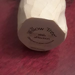 Willow Tree Accents - Willow Tree With Affection figurine